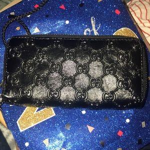 Gucci wallet double zipper wristlet wallet